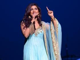 Advertisement - Tickets To Shreya Ghoshal