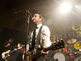 Justin Townes Earle with Social Distortion
