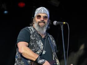 Advertisement - Tickets To Steve Earle