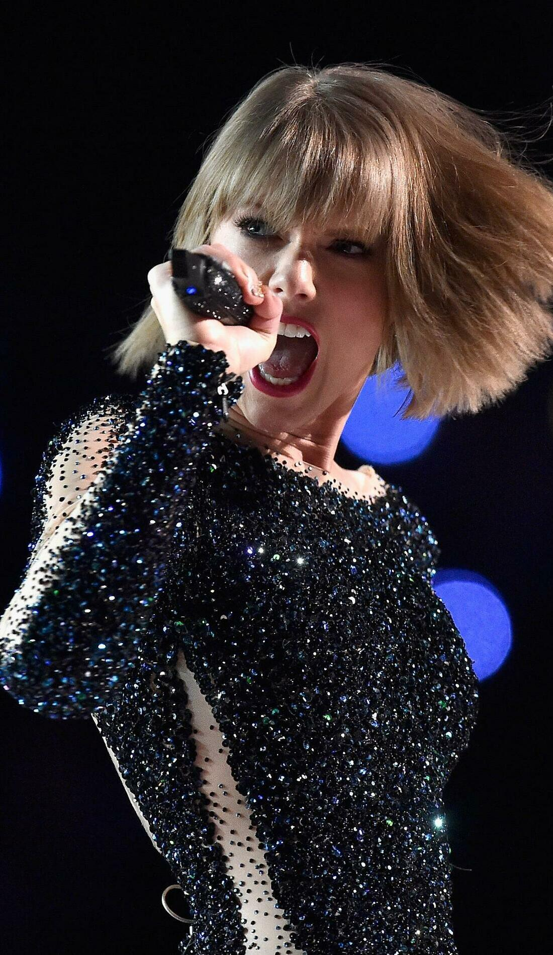 A Taylor Swift live event