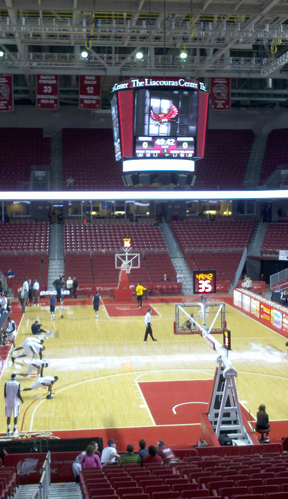 A Temple Owls Basketball live event