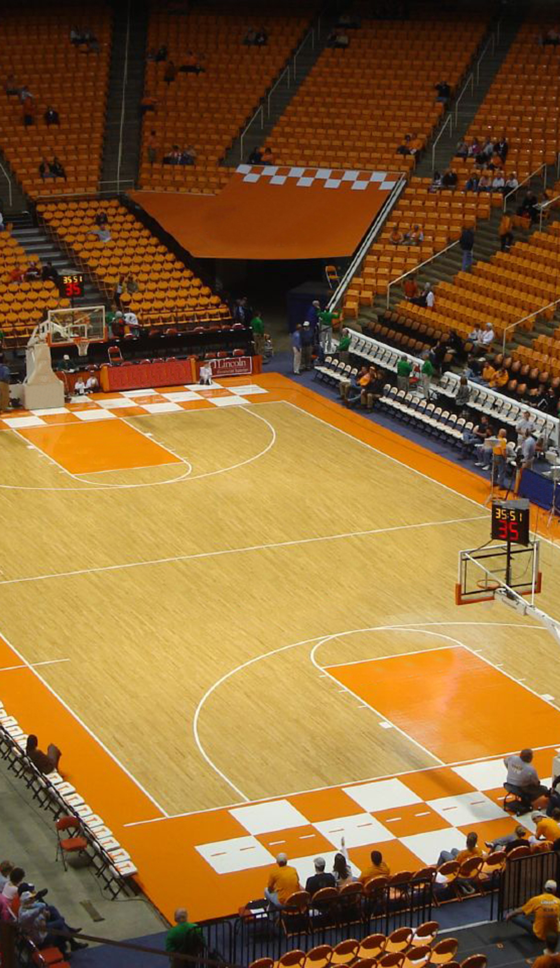 A Tennessee Volunteers Basketball live event
