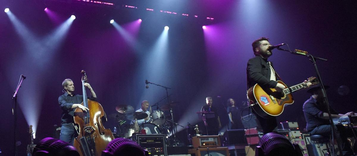 The Decemberists with Fruit Bats (16+)