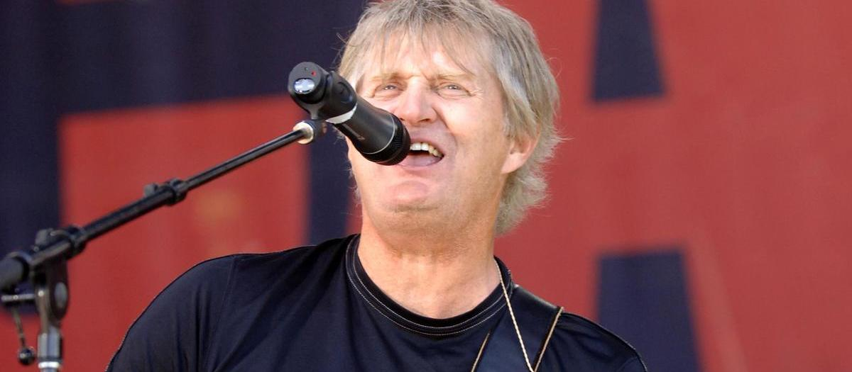 Tom Cochrane Tickets