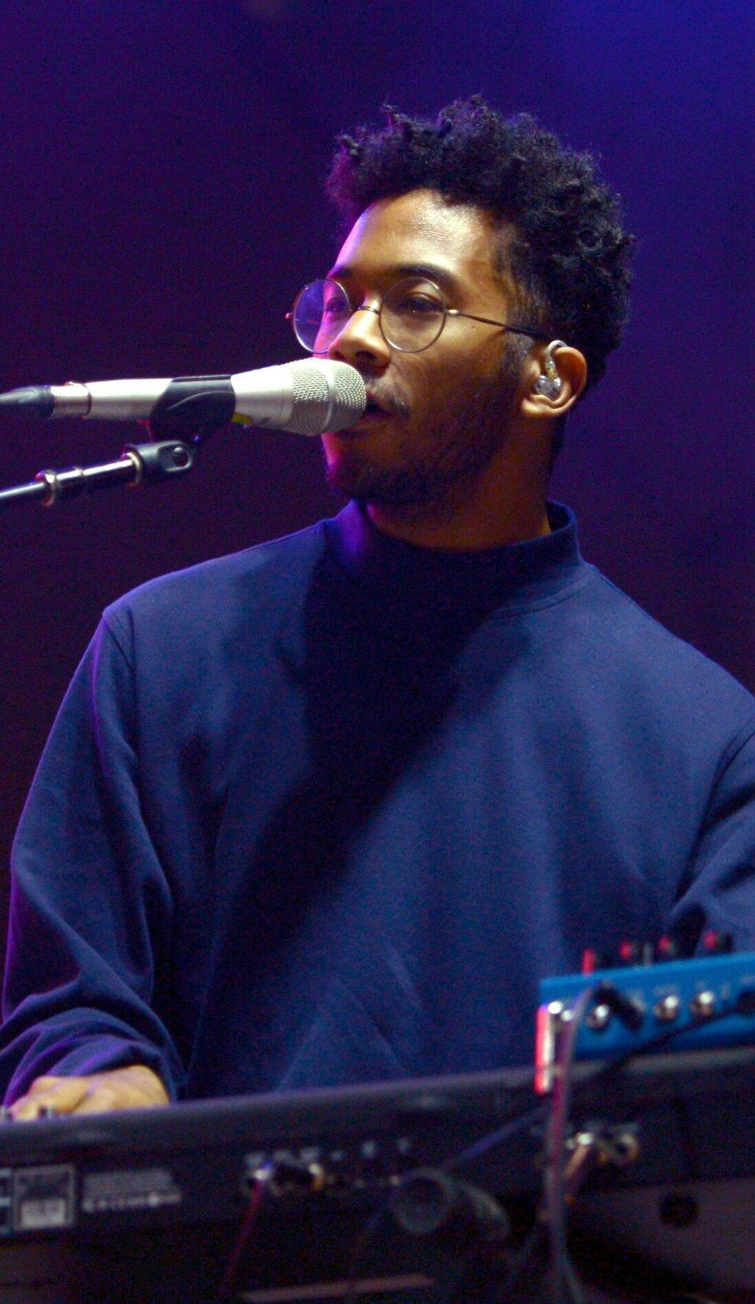 A Toro Y Moi live event