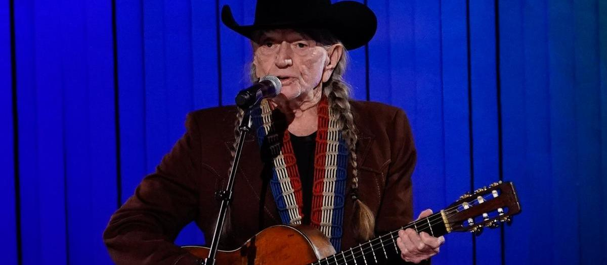 Willie Nelson & Family Tickets
