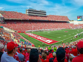 Akron Zips at Wisconsin Badgers Football