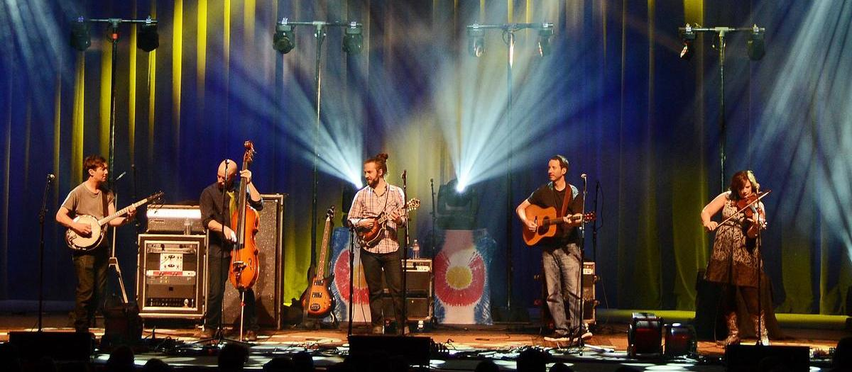 Yonder Mountain String Band with The Drunken Hearts