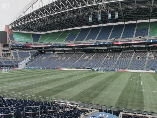 CenturyLink Field Section 132 view