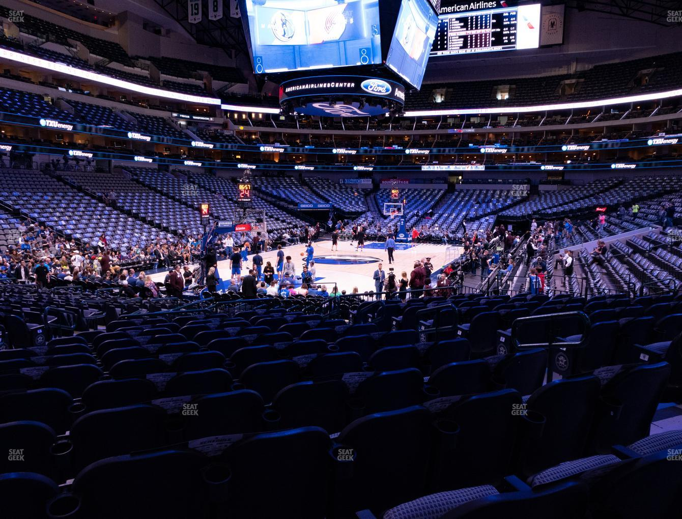 Dallas Mavericks at American Airlines Center Section 123 View
