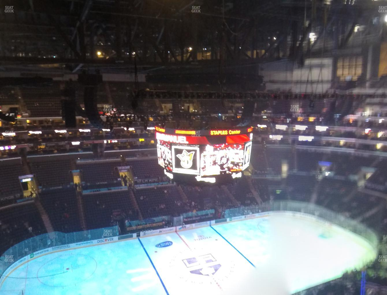 Los Angeles Kings at Staples Center Section 320 View