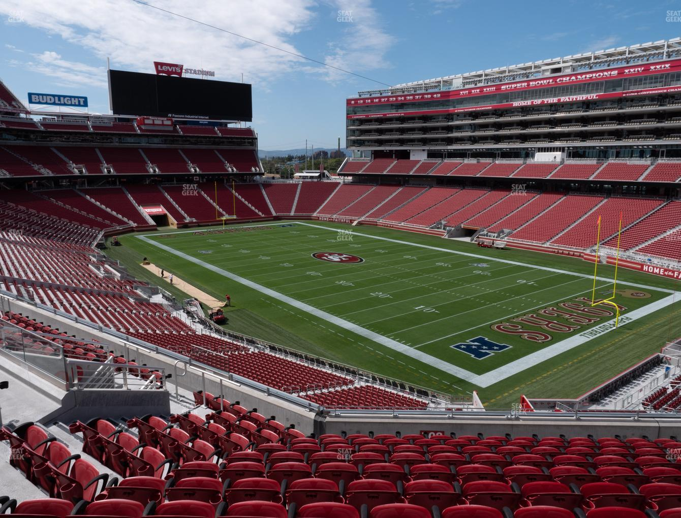 San Francisco 49ers at Levi's Stadium Section 208 View