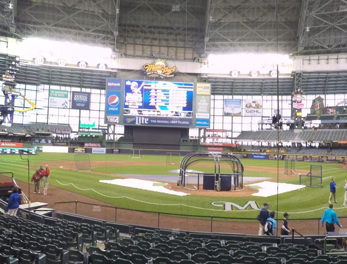 Milwaukee Brewers at Miller Park Section 118 View