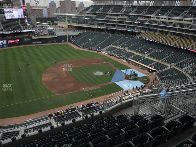 Target Field Section 323 view